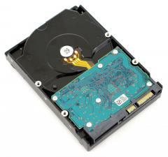 Recuperare dati da hard disk Hitachi HTS545050B9A300 bagnato