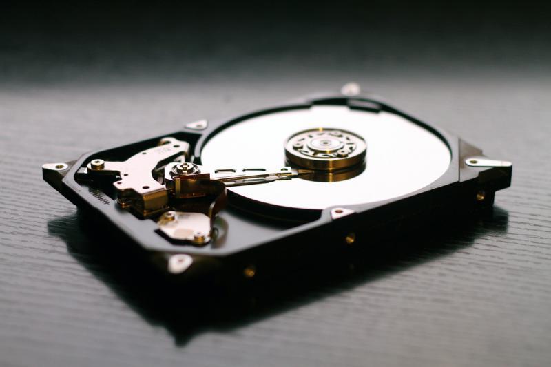 Recuperare dati da un hard disk Hitachi con scheda elettronica bruciata